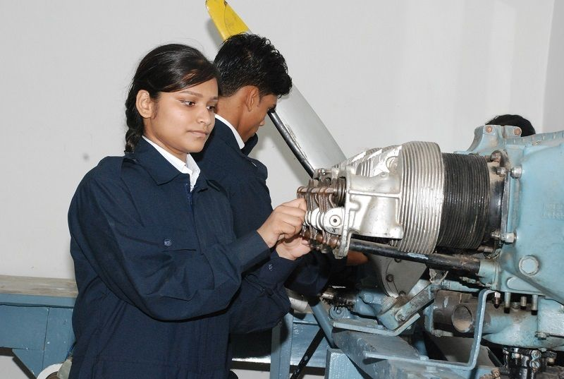aircraft maintenance engineering jobs