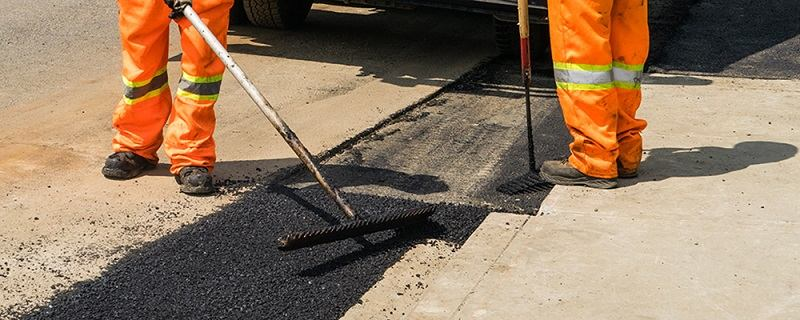 Best Asphalt Patching Methods to Repair Cracks & Potholes