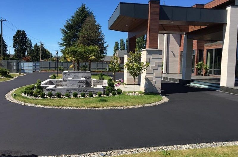 How is Asphalt The Best Residential Driveway Paving Option in Toronto?