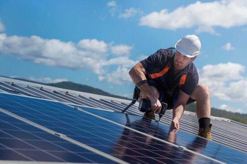 Things To Consider in Choosing The Best Solar Panel To Buy