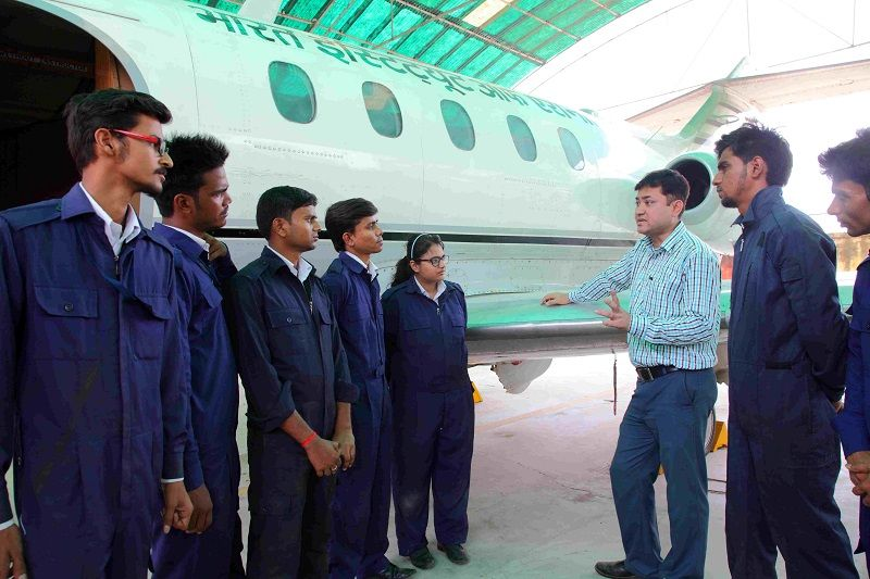 why study aircraft maintenance engineering