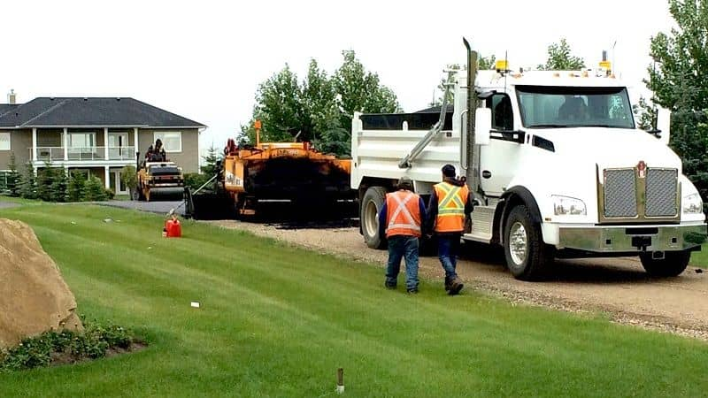 Asphalt Paving – What Is The Average Cost To Pave a Driveway?